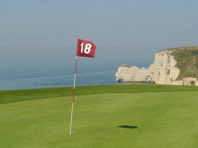 golf hole 18